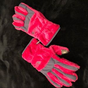 The North face fuzzy gloves NWOT